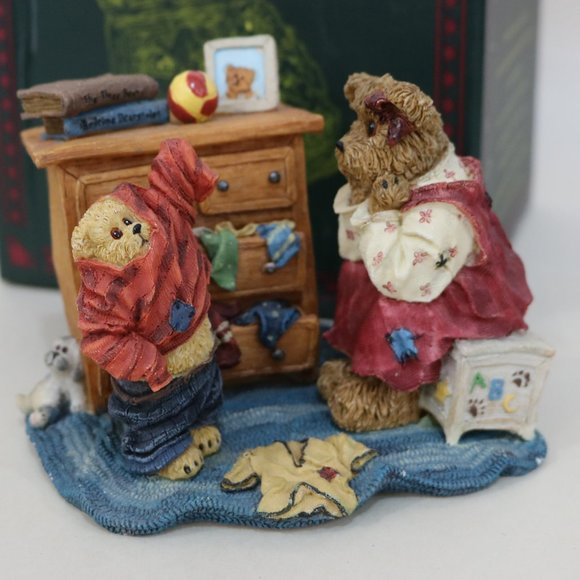 Boyds Bears Other - Boyds Bear Resin Mon and Taylor Little Boy